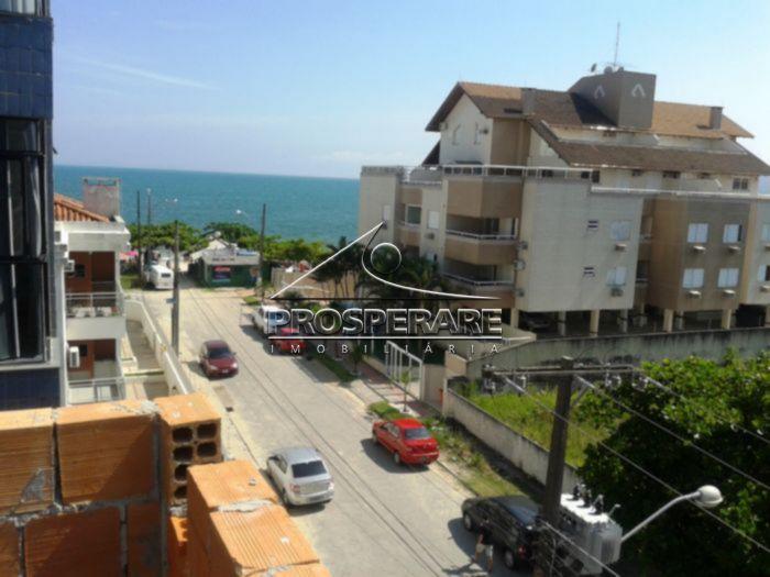 Vista do RESIDENCIAL para o acesso a praia... o imóvel esta \