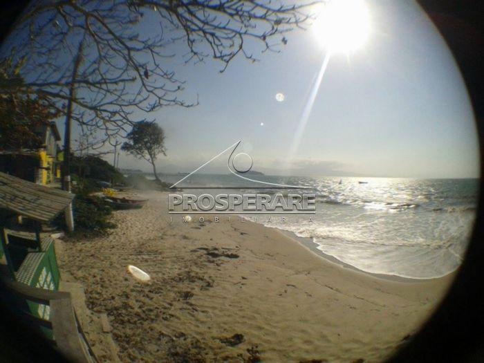 Foto ruim , mas real desta região de praia incrivel na orla entre Canasvieiras e Ponta das Canas!